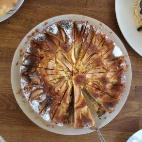 Äppelkaka // Classic Apple Cake
