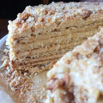 Böhmisk honungkaramellkaka// Bohemian honey caramel cake